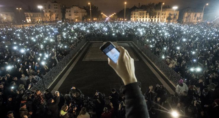 Mi csábított tömegeket az utcára az elmúlt négy évben? – Tüntetések az internetadó előtt