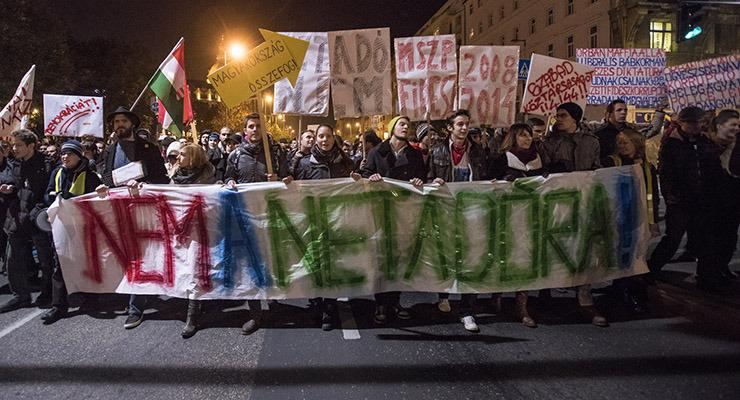 Mi vagyunk a kétharmad! – Galéria a netadó elleni tüntetésről