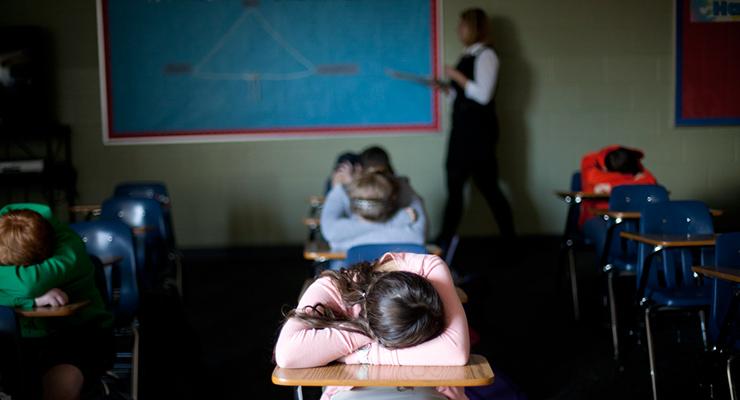 Iskolai ifjúságvédelem illusztráció | Forrás: flickr/PBS NewsHour CC-BY-NC-ND