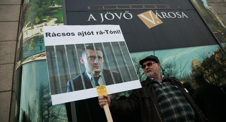 A maffiában a család mégiscsak szent – a korrupció ellen tüntettek