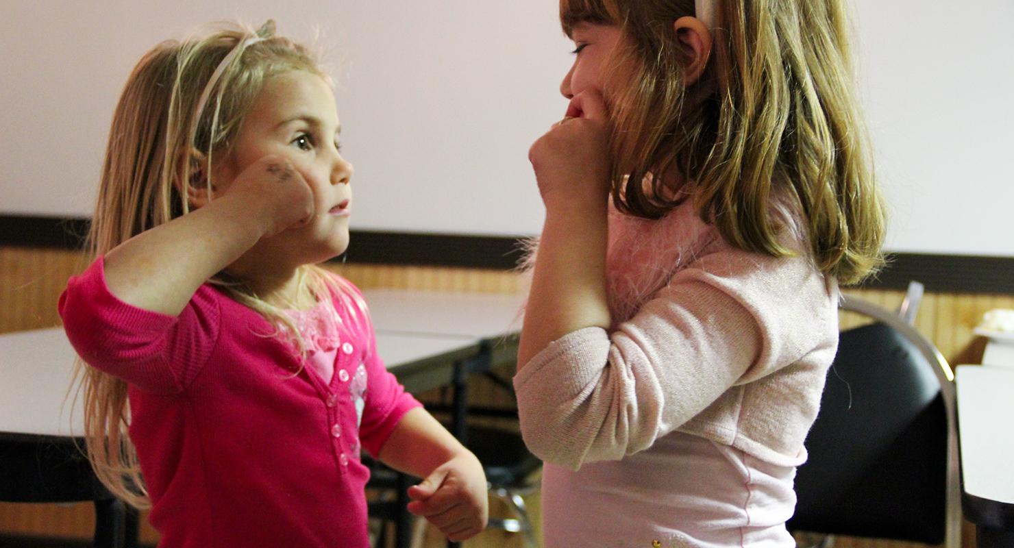 keresés siket lány flört jelzéseket érdeklődés nő