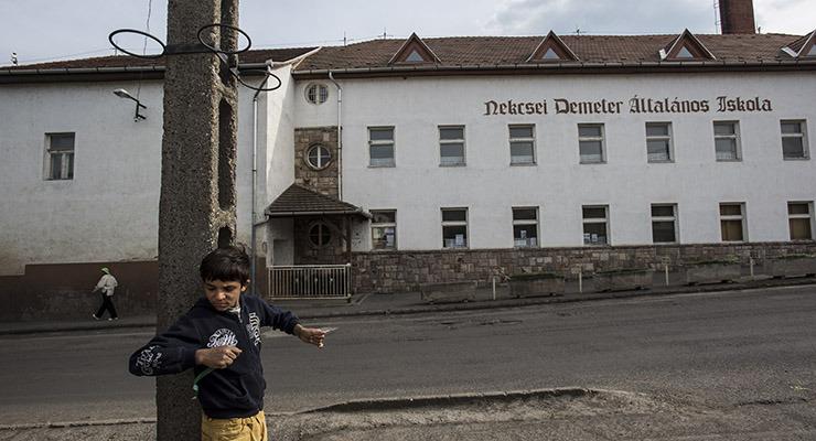 Kimenekítik a gyerekeket a roma osztálytársak közül