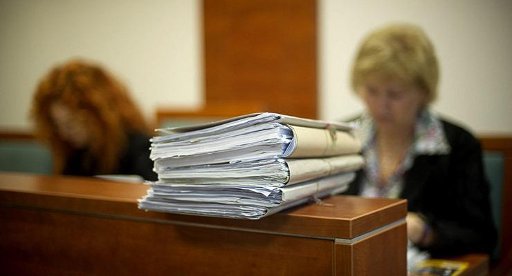 Tele a padlás évtizedes bírósági ügyekkel