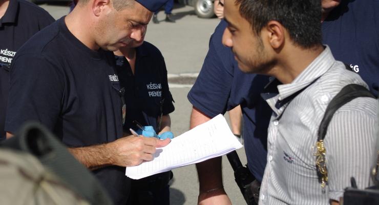 A szerbekre lőcsöltük a menekülteket, visszakaptuk őket a horvátoktól