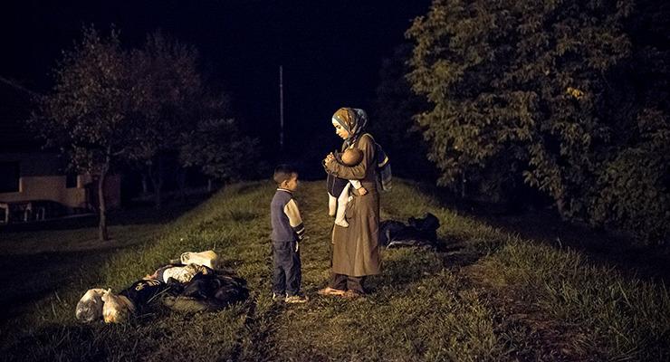 Pár szlovén határőr még nem állít meg egy csapat elszánt menekültet