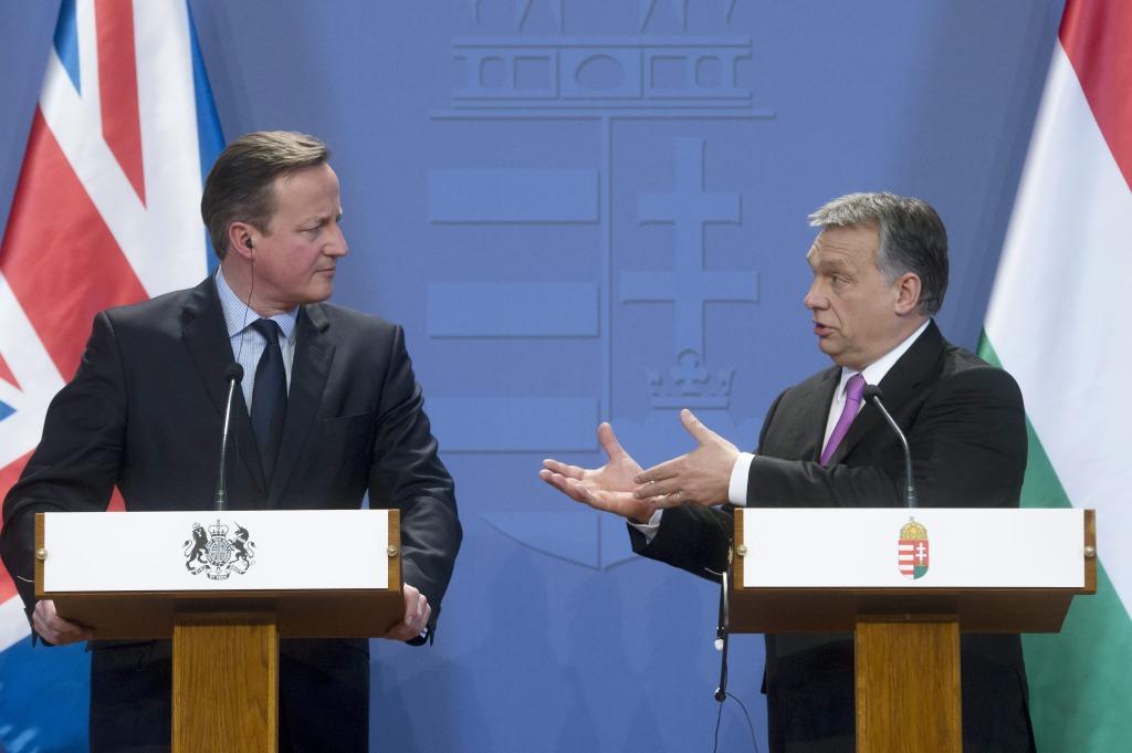 Budapest, 2016. január 7. Orbán Viktor miniszterelnök (j) és David Cameron brit kormányfő a megbeszélésüket követő sajtótájékoztatón a Parlamentben 2016. január 7-én. MTI Fotó: Koszticsák Szilárd