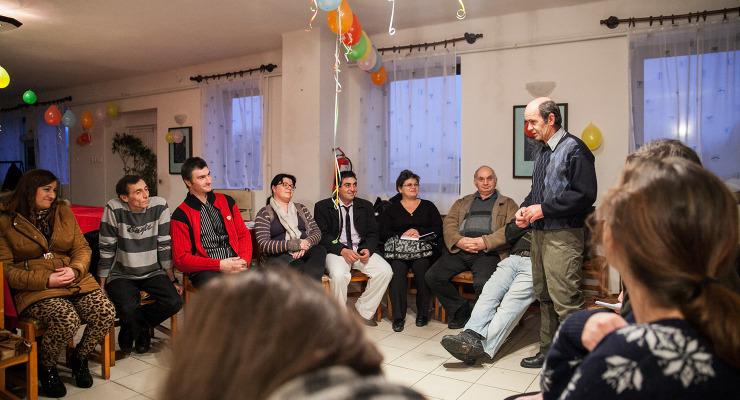 A közmunkásokkal dobálóznak a sámsonházai vezérek
