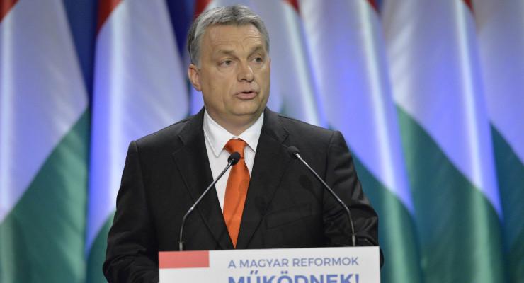 Orbán harcba hívott Brüsszel ellen