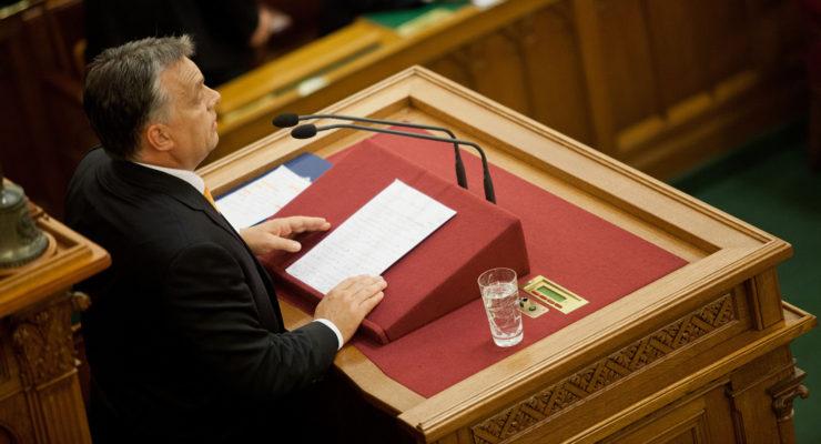 Orbán durván ráijesztett a baloldali városokra
