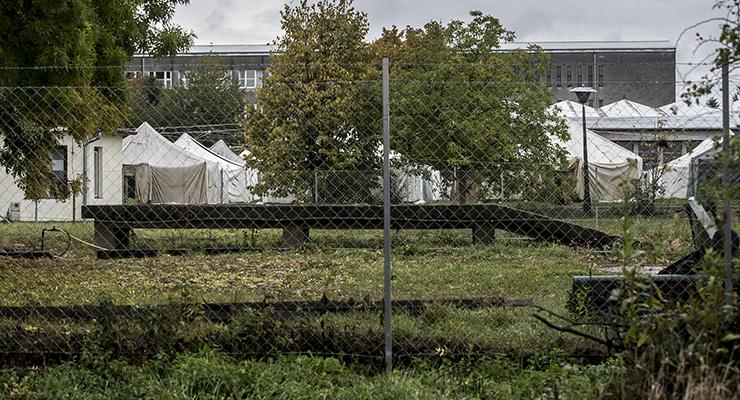 Megfagynak a körmendi sátortáborban a menekültek
