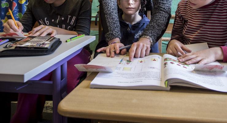 Az érthetetlen tankönyvek csak frusztrálttá teszik a gyerekeket