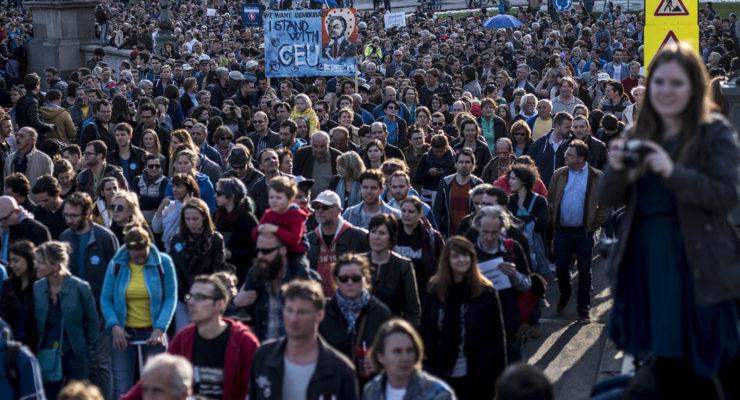 Rengeteg embert haragított magára a kormány