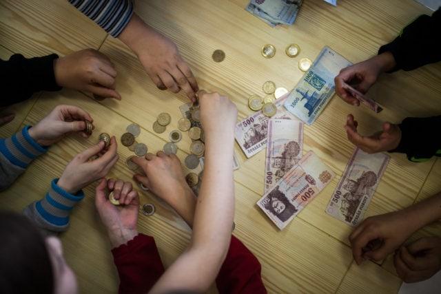 A középiskolások jó része semmit sem tud a pénzről