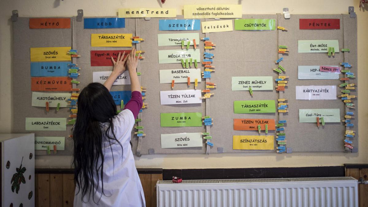 A kormány válasza a romló oktatási eredményekre, hogy nem értek még be a reformok