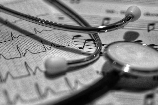 Későn kezdett ömleni a pénz a magyar egészségügybe