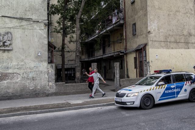 Százezer rendőrt is bevethetnek, a nyomor maradni fog