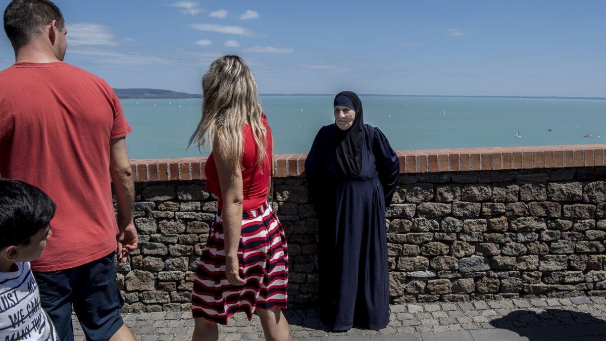 Két éve tombol a menekültgyűlölet, a civilek mégis meglepődtek, milyen elutasítóak a vidéki magyarok 1