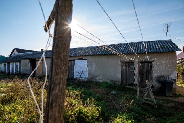 Milliókat fizet Seszták városa, csak költözzenek már el a szegények 1