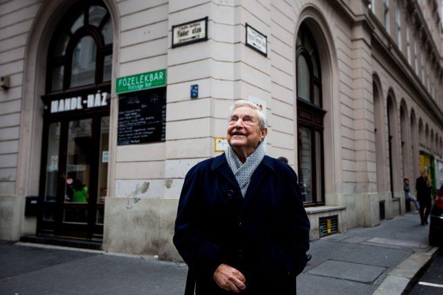 Soros György a CEU új budapesti épületének átadóján, 2016. október 19-én. | Forrás: flickr.com/CEU/Tuba Zoltán/Képszerkesztőség CC-BY-NC-ND https://www.flickr.com/photos/ceuhungary/30459176142/