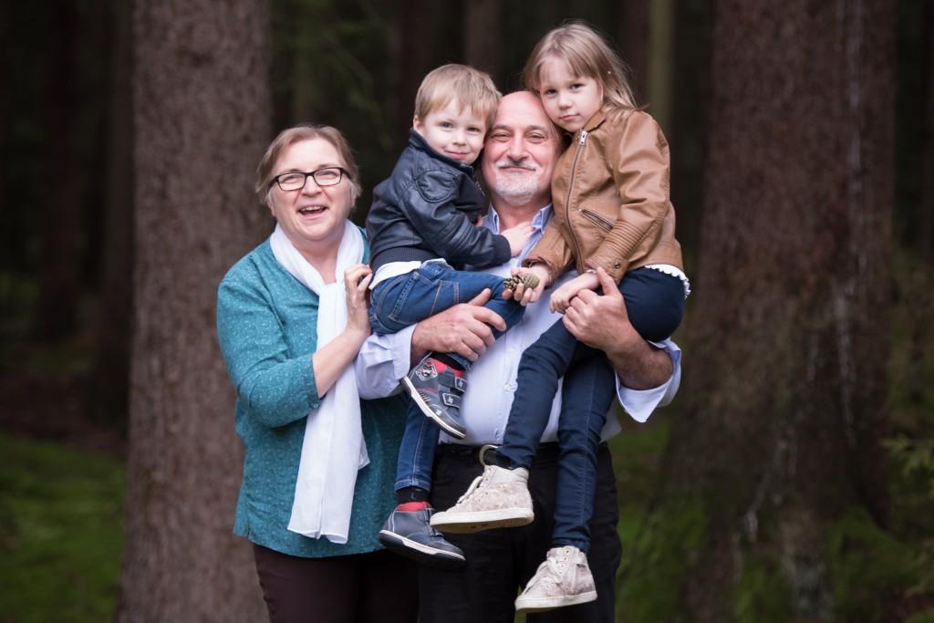 Marikáék saját képe unokáikkal