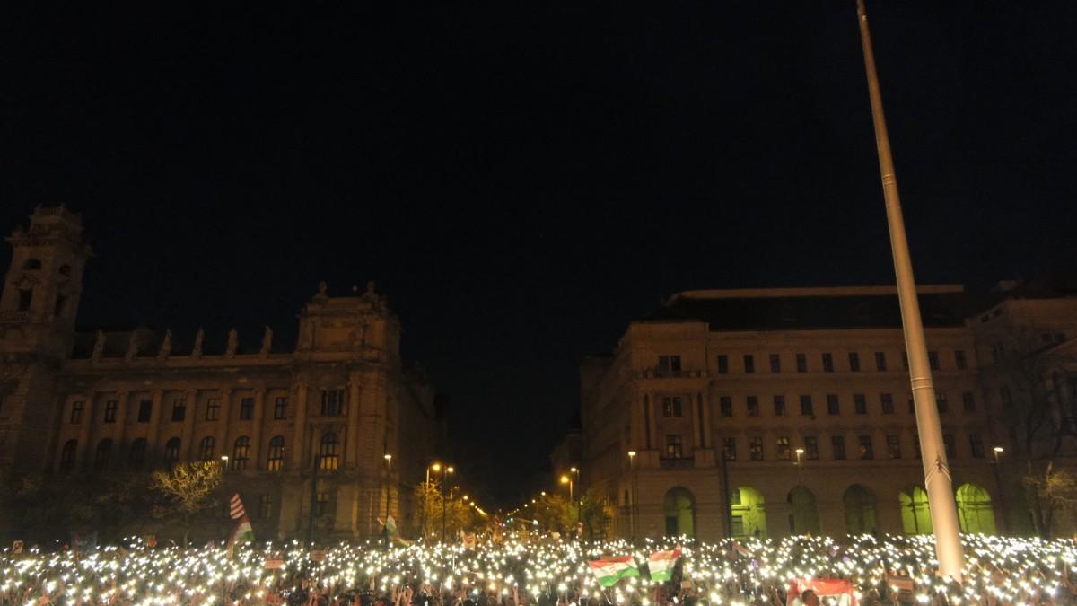 Megfér egymás mellett a CEU és a Kárpátia, ha Orbán leváltása a cél
