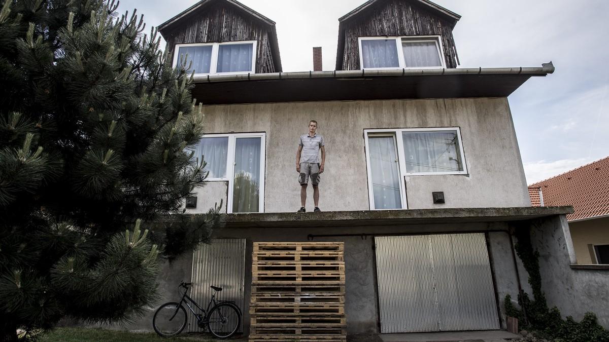 Konganak az ürességtől az óriási, többgenerációs családi házak