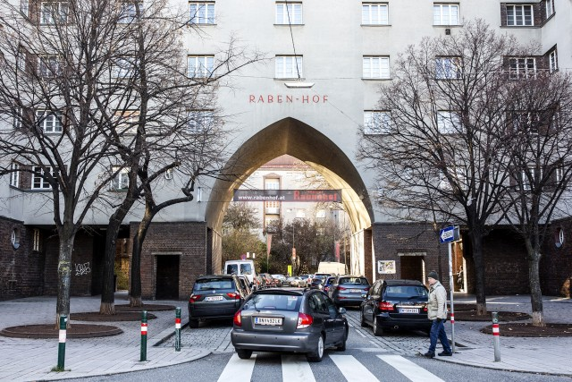 Bécsben nem hagyják kitúrni a szegényebbeket a lakásukból