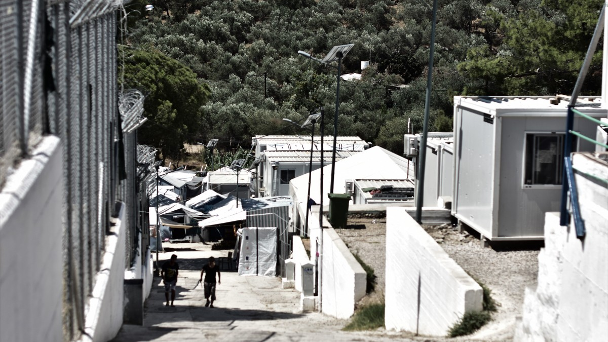 Céltalan várakozás nyomorítja a menekültek lelkét a görög szigeteken