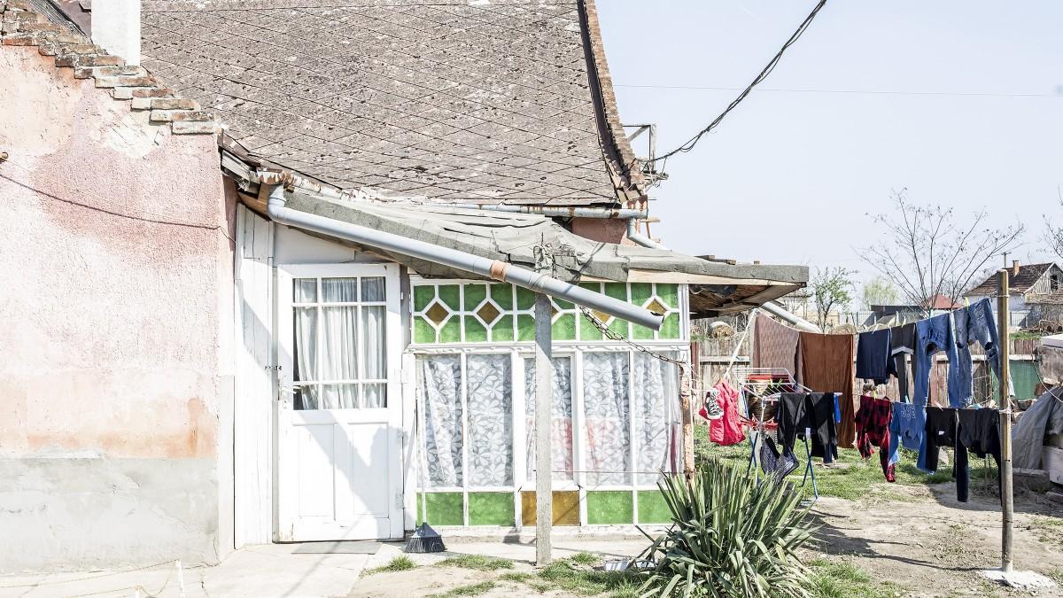 Elhagyott családi házakkal áll a szegényei mellé Hajdúdorog önkormányzata 1