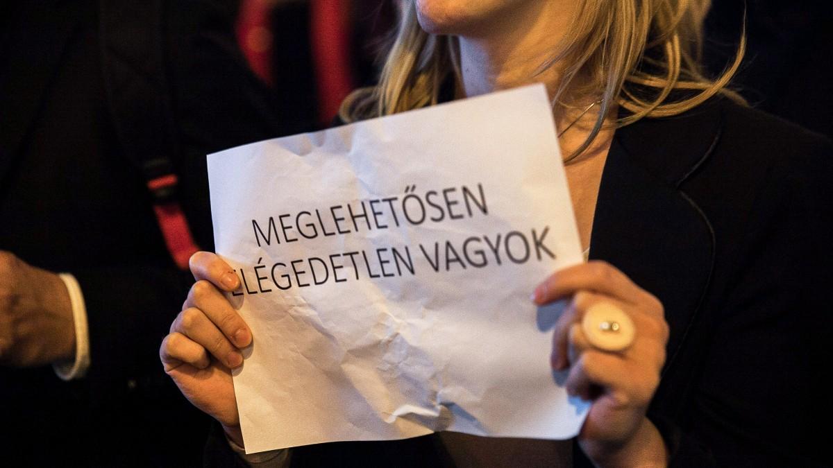 A magyar felsőosztálynak egyre jobban tetszene egy diktatúra 4
