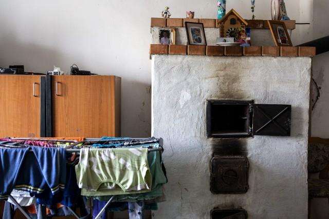 Kályhákat építettek a fagyoskodó szegényeknek