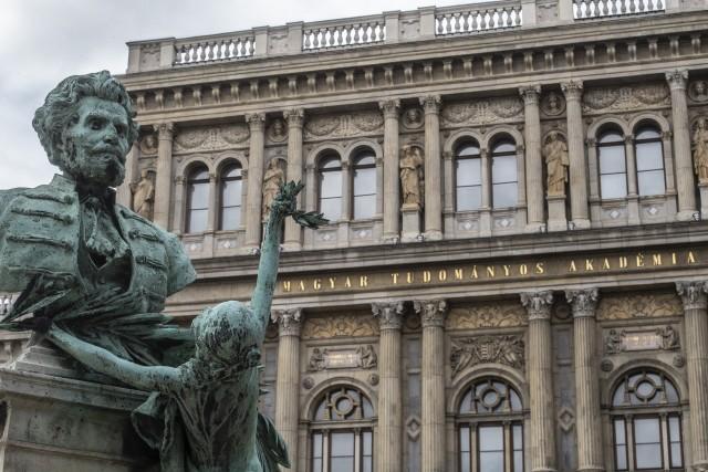 Könnyen elkelnek az elüldözött magyar kutatók