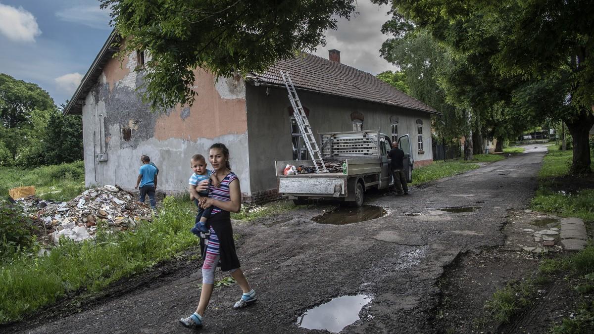 Végleg elengedte az elűzött számozott utcaiak kezét Miskolc önkormányzata