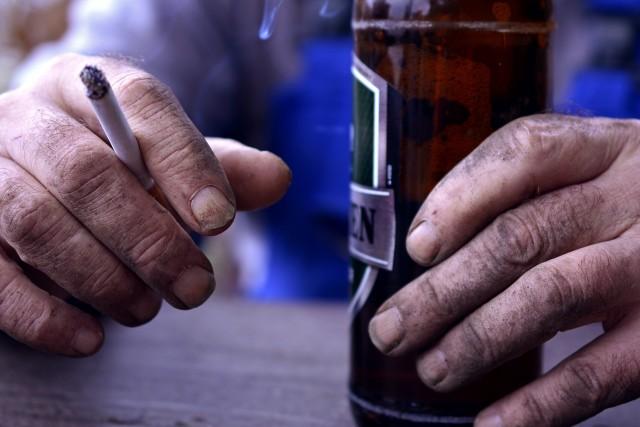 A telepeken majdnem olyan népszerű a nyugtató, mint az alkohol